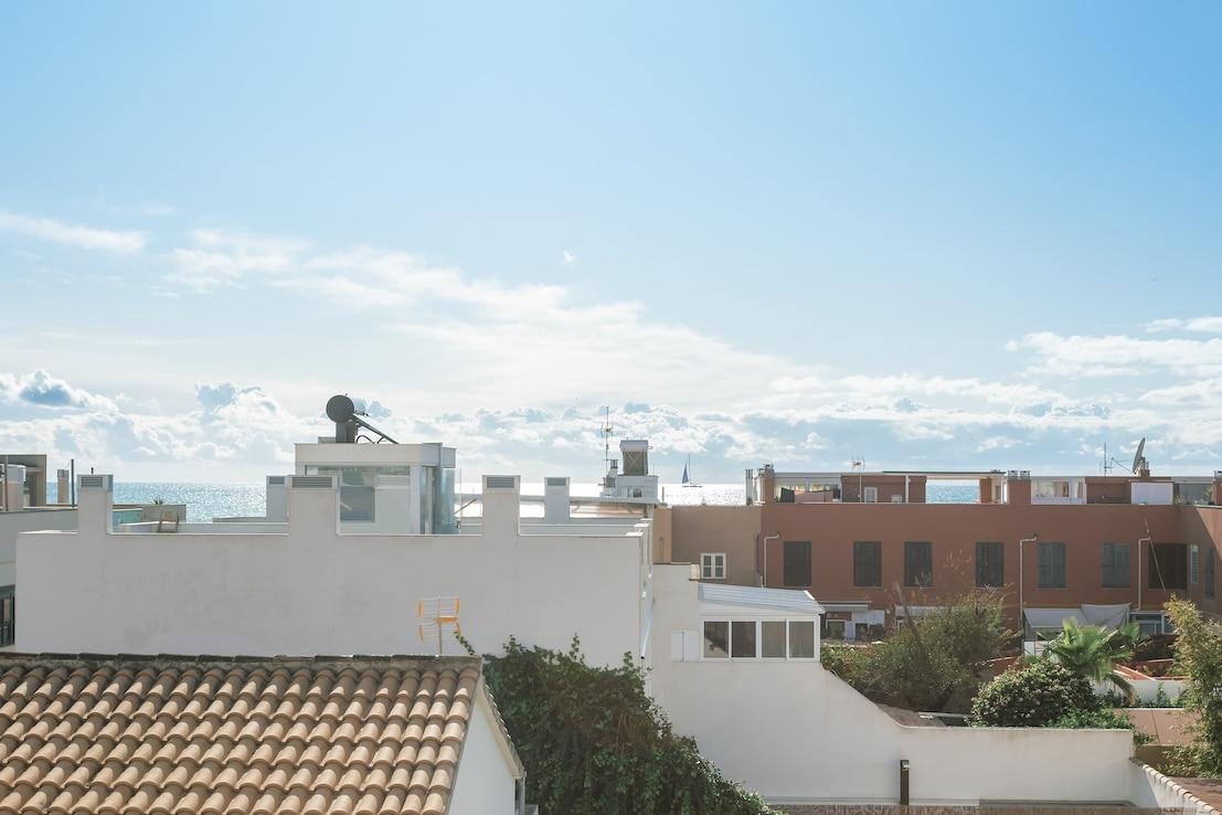 Stadthaus mit Terrassen und Meerblick