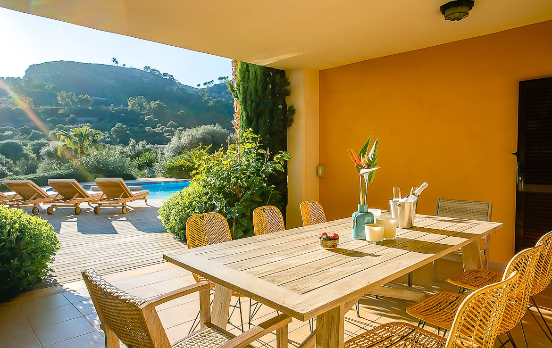 Villa außerhalb von Andratx mit Pool